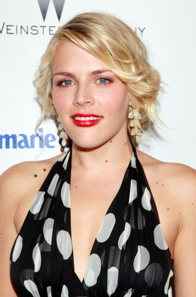 Busy Philipps Red Lipstick [hair,blond,hairstyle,face,lip,beauty,chin,long hair,brown hair,premiere,busy philipps,hotel,beverly hills,california,the beverly hilton,weinstein company,relativity media,party,golden globe awards]