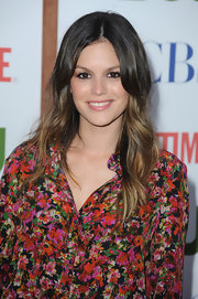The ultra trendy Rachel Bilson donned a floral ensemble for the TCA party in Beverly Hills. She finished off the look with wavy ombre tresses.