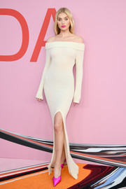 Elsa Hosk flaunted her supermodel figure in a body-con nude off-the-shoulder dress by The Elder Statesman at the 2019 CFDA Fashion Awards.