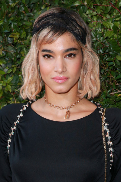 Sofia Boutella wore a short wavy 'do with side-swept bangs at the Chanel Dinner Celebrating Our Majestic Oceans.