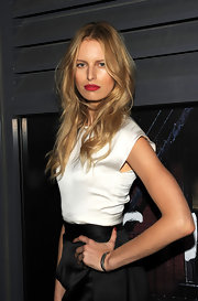 Karolina Kurkova showed off her radiant locks while hitting the Chanel dinner.