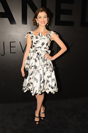 Nora Zehetner was the doll of the night in this darling black-and-white floral print design. Retro curls and a mega-watt smile completed her look.