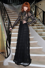 Florence knows how to make a dramatic entrance. This show-stopping black gown was perfect for Florence's edgy style.