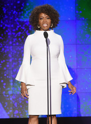 Alfre Woodard looked simply elegant in a little white dress with bell sleeves at the 2017 CNN Heroes show.