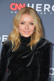 Kelly Ripa looked boho-glam with her center-parted waves at the CNN Heroes event.