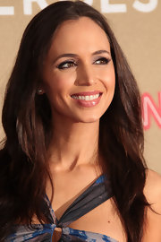 Eliza Dushku wore a frosty pink, high-gloss lipstick at the 2011 CNN Heroes: An All-Star Tribute.