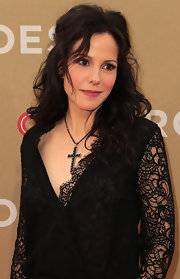 Mary-Louise Parker wore her hair in soft curls at the 2011 CNN Heroes; An All-Star Tribute.