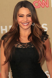 Sofia Vergara wore her hair in long, subtle waves with a side part at the CNN Heroes: An All-Star Tribute.