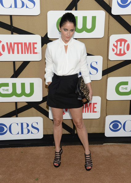 More Pics of Robin Tunney Button Down Shirt (2 of 8) - Tops Lookbook - StyleBistro [clothing,fashion,leg,footwear,joint,photography,flooring,carpet,style,shorts,arrivals,robin tunney,california,los angeles,cw,cbs,showtime 2013 summer tca,showtime 2013 summer tca party]