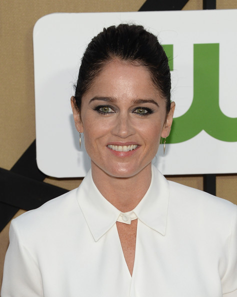 More Pics of Robin Tunney Button Down Shirt (3 of 8) - Tops Lookbook - StyleBistro [eyebrow,white-collar worker,forehead,smile,uniform,arrivals,robin tunney,california,los angeles,cw,cbs,showtime 2013 summer tca,showtime 2013 summer tca party]