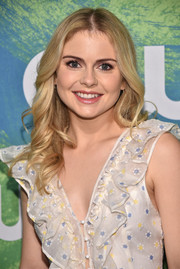 Rose McIver topped off her look with a sweet feathered flip when she attended the CW Network's 2016 New York Upfront.