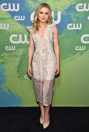 Rose McIver was a total cutie at the CW Network's 2016 New York Upfront in a white ruffle dress printed with tiny flowers.