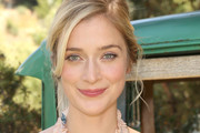 Caitlin Fitzgerald Messy Updo