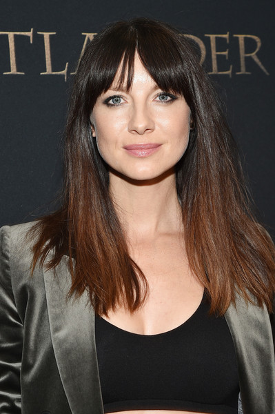 Caitriona Balfe Long Straight Cut with Bangs [the new york red carpet premiere of outlander season,hair,face,hairstyle,bangs,eyebrow,brown hair,chin,layered hair,long hair,beauty,caitriona balfe,new york,starz,entertainment weekly host,new york red carpet premiere of outlander season three]