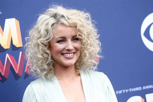 Cam Medium Curls [hair,blond,hairstyle,smile,lip,premiere,television presenter,arrivals,cam,nevada,las vegas,mgm grand garden arena,academy of country music awards]