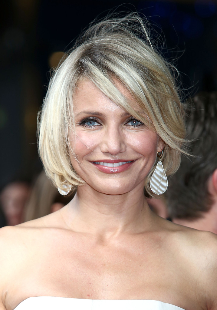 Cameron diaz hair stylebistro cameron diaz wore her pale tresses in a softly layered wind swept bob while urmus Image collections