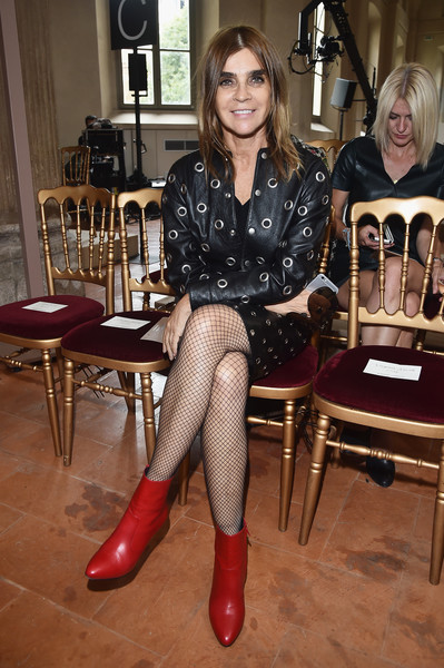 Carine Roitfeld Ankle Boots [show,footwear,sitting,leg,fashion accessory,tights,fashion,shoe,girl,outerwear,pattern,alberta ferretti,carine roitfeld,front row,milan,italy,milan fashion week,milan fashion week spring]