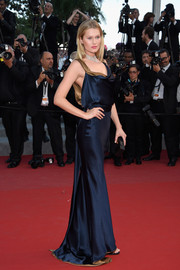 Toni Garrn walked the 'Carol' premiere red carpet looking ultra sophisticated in a draped blue silk gown by Sophie Theallet.