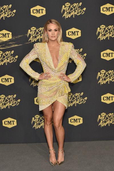 Carrie Underwood Beaded Dress [fashion model,flooring,carpet,leg,fashion,catwalk,red carpet,cocktail dress,thigh,human leg,arrivals,carrie underwood,bridgestone arena,nashville,tennessee,cmt music awards]