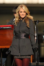 Carrie rocked the stage in perfect blond curls.