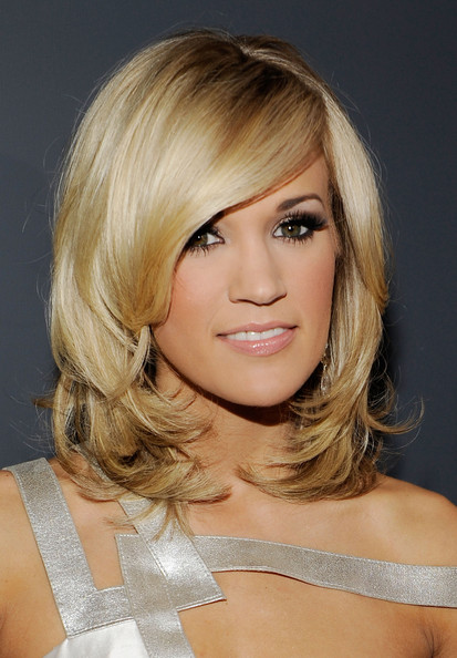 Carrie Underwood Medium Layered Cut