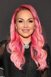 Kandee Johnson was eye candy wearing this wavy hairstyle in various shades of pink at the premiere of 'Glam Masters.'