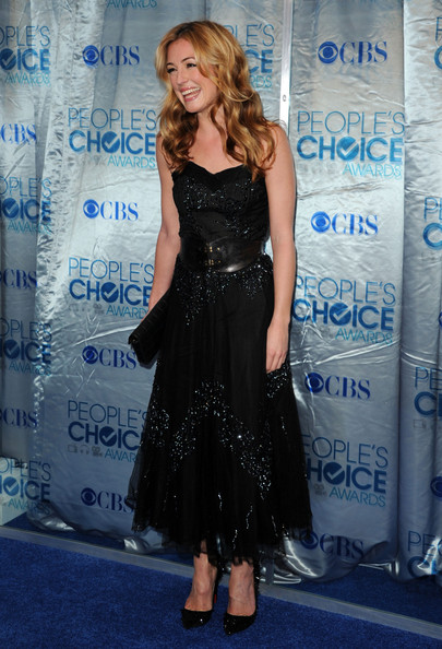 Cat Deeley Evening Pumps [dress,clothing,premiere,carpet,shoulder,cobalt blue,cocktail dress,hairstyle,fashion,flooring,arrivals,cat deeley,peoples choice awards,tv personality,california,los angeles,nokia theatre l.a. live]
