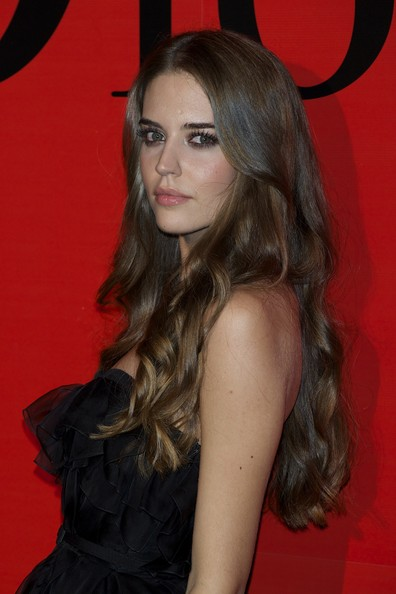 More Pics of Clara Alonso Long Wavy Cut (1 of 8) - Clara Alonso Lookbook - StyleBistro