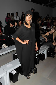 Ana Araujo chose a loose black maxi dress for the Felder Felder fashion show.