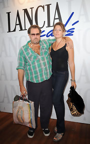 Stella Schnabel managed to look great just wearing tank and pants at the Lancia Cafe.