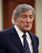 Tony Bennett proved he is still all class with this classic blue and white striped tie.