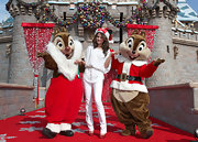 Actress and singer Selena Gomez wore a pair of Tom jeans in neo white pearl while performing during the taping of the 2010 Disney Parks Christmas Day Parade at Disneyland.