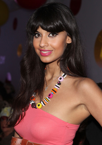 Jameela Jamil perfected her pout with a sweet shade of lolly pink lipstick.