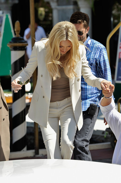 More Pics of Kate Hudson Aviator Sunglasses (2 of 28) - Classic Sunglasses Lookbook - StyleBistro [celebrity sightings,white,clothing,street fashion,fashion,outerwear,jeans,blond,footwear,blazer,leg,kate hudson,venice,italy,69th venice film festival]
