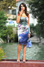 These neutral wedges were the perfect compliment to Maria Grazia Cucinotta's technicolor outfit!
