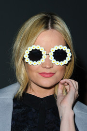 Laura Whitmore was seeing daisies at the Giles show during London Fashion Week.