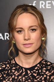 Brie Larson chose a loose ponytail with wavy tendrils framing her face for her National Board of Review Gala look.
