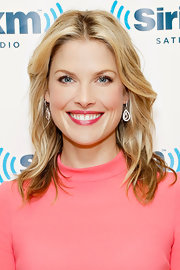 Ali Larter went for a knock-out blowout while visiting the SiriusXM Studios.