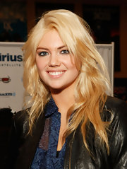 Kate Upton wore her layered hair in casually tousled layers while visiting SiriusXM Studios.
