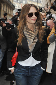 Vanessa dons an ombre fur scarf to the Chanel fashion show.