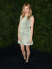 Sienna Miller chose a monochrome Chanel cocktail dress for the Chanel and Charles Finch pre-Oscar dinner.