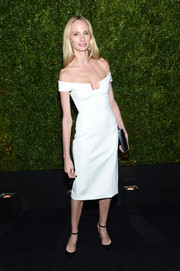Lauren Santo Domingo chose a sleek and sophisticated white off-the-shoulder dress for the Tribeca Film Festival Chanel dinner.