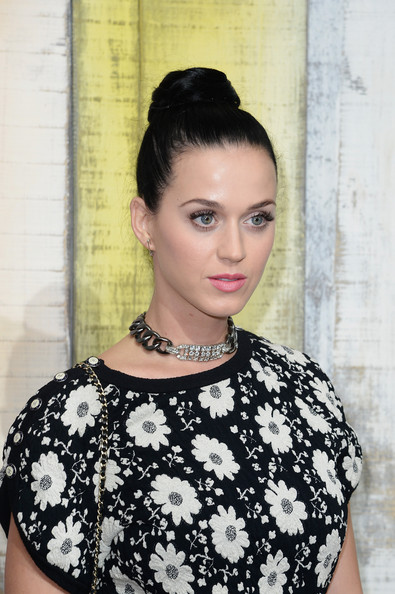 More Pics of Katy Perry Hair Knot (5 of 15) - Updos Lookbook - StyleBistro
