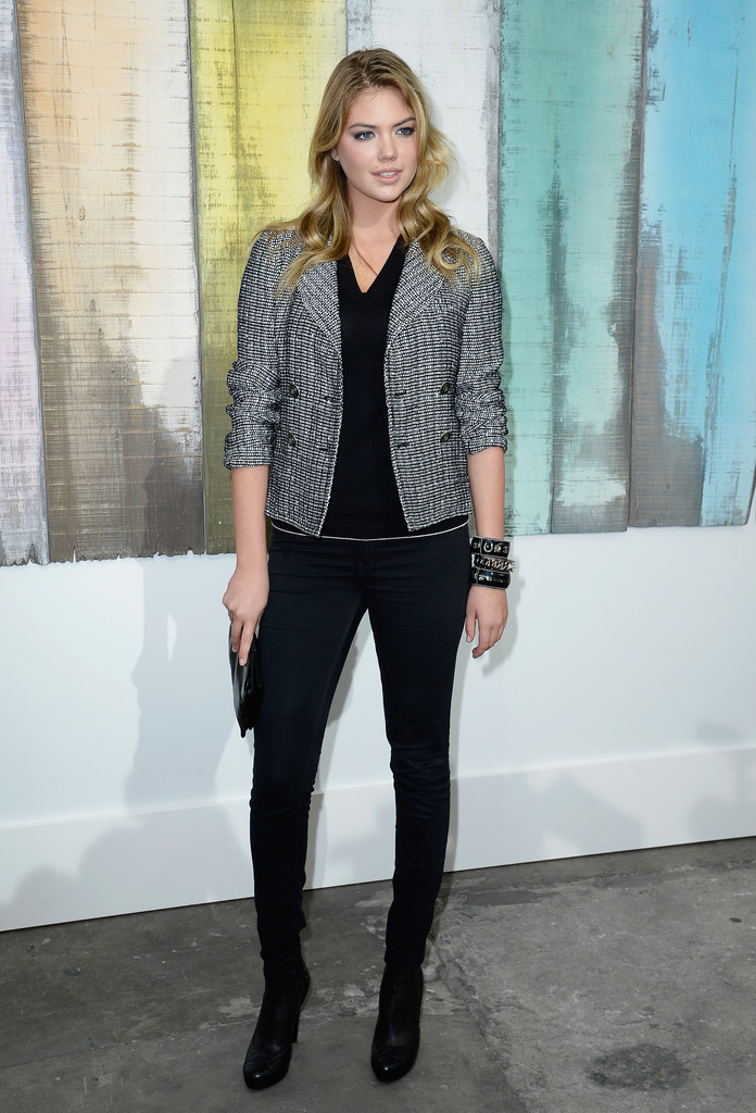 Kate Upton In A Tweed Jacket And Skinny Jeans Front Row Fashion At Chanel Stylebistro