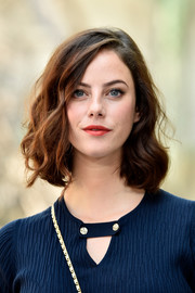 Kaya Scodelario went classic with this curled-out bob at the Chanel Haute Couture show.