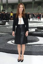 Vanessa showed off her Fall 2010 skirt while attending the Chanel Spring 2011 fashion show.