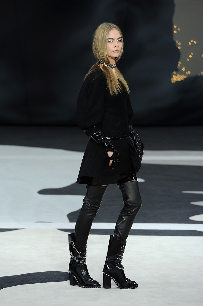 Chanel Fall 2014 Cara Delevingne S Best Runway Looks