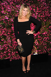 Ari Graynor's LBD looked sleek and sophisticated on the young star.