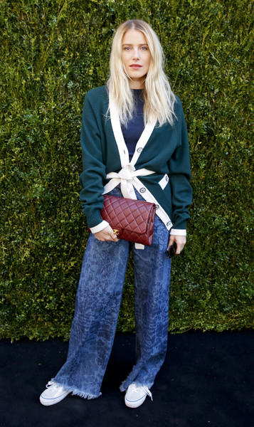 A Chanel quilted clutch added a spot of classic elegance.