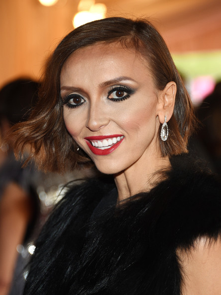 Giuliana Rancic topped off her look with a subtly wavy bob.